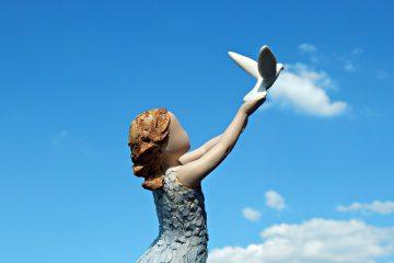 """""""לעולם לא מאוחר מדי להיות מי שיכולת להיות""""… (ג'ורג' אליוט)"""